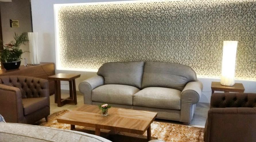 Panelado paredes hotel argelia italica decoraciones - Paredes de escayola ...