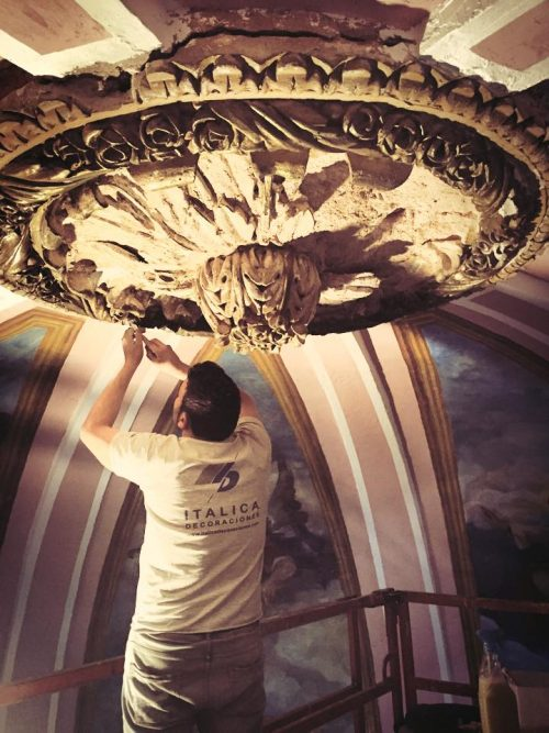 Restauración florón cúpula iglesia