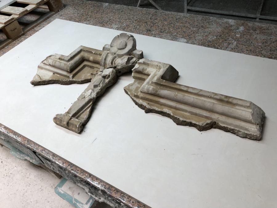 dintel fachada en hormigón blanco